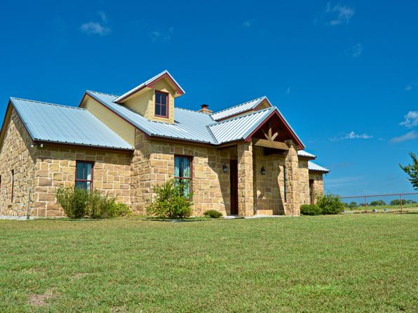 3 bed 3 bath Single Family at 1179 County Road 2207 Lampasas, TX, 76550 is for sale at 489k - 1 of 90