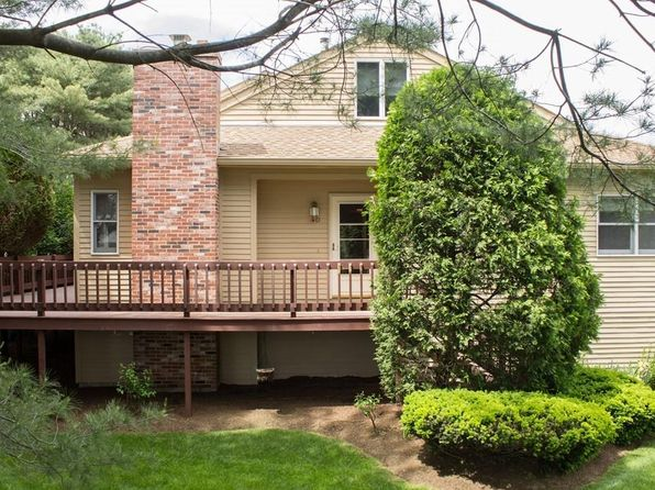2 bed 2 bath Condo at 4 COUNTRY CLUB LN MILFORD, MA, 01757 is for sale at 248k - 1 of 23