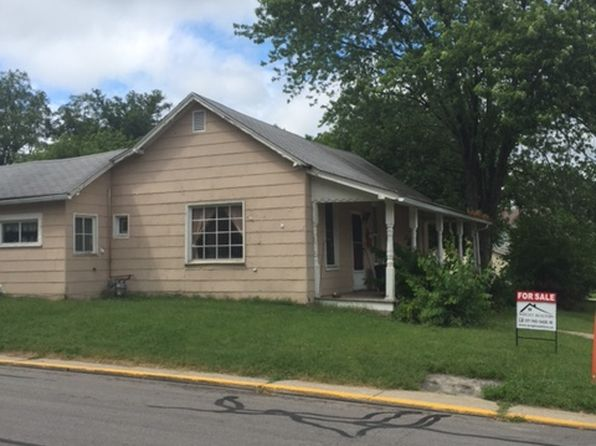 2 bed 1 bath Single Family at 102 N Cross St Danville, IN, 46122 is for sale at 80k - 1 of 7