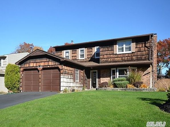 5 bed 3 bath Single Family at 19 Beaumont Ln Lake Grove, NY, 11755 is for sale at 460k - 1 of 34