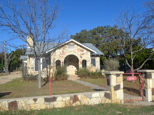 3 bed 3 bath Single Family at 610 Main St Bandera, TX, 78003 is for sale at 330k - 1 of 29