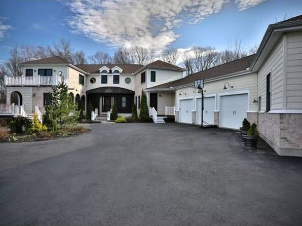 15 burgundy ter bedford nh 03110 zillow for 5 champagne terrace bedford nh