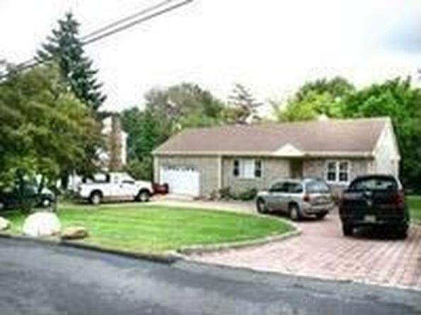 23 old homestead rd 2 bed 2 bath priced at 354 461