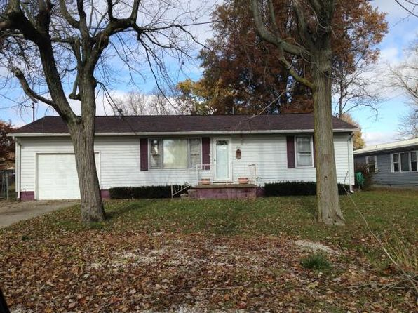 2 bed 1 bath Single Family at 1304 Ash St Marshall, IL, 62441 is for sale at 42k - 1 of 11