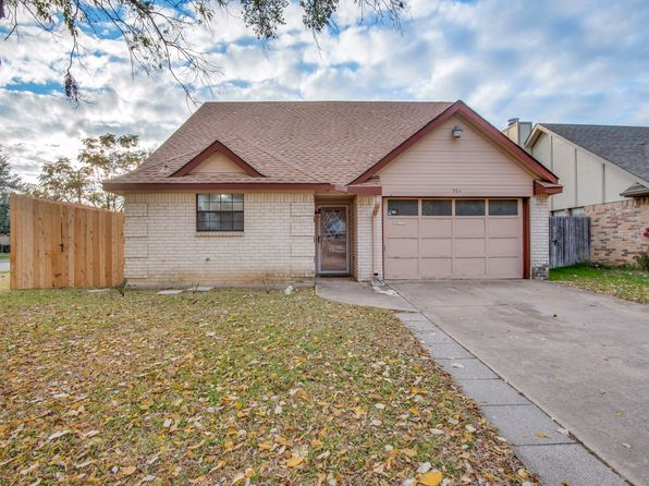 3 bed 2 bath Single Family at 501 Causey Ln Irving, TX, 75061 is for sale at 152k - 1 of 25