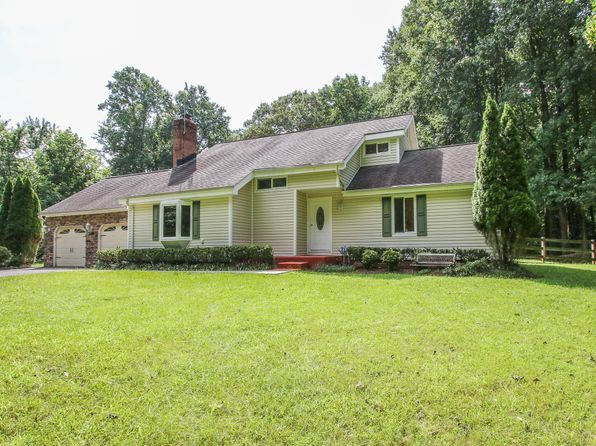 5 bed 4 bath Single Family at 5037 Bobcat Ct Woodbridge, VA, 22193 is for sale at 525k - 1 of 34