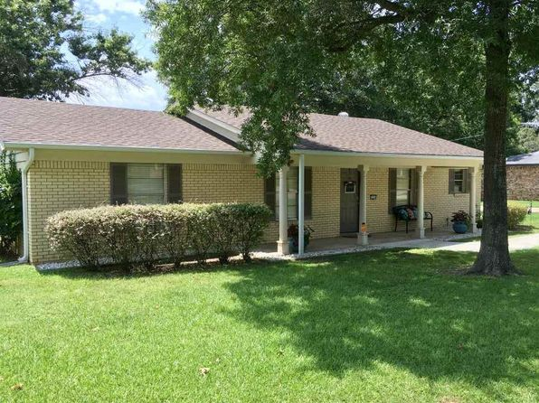 3 bed 2 bath Single Family at 1314 Evergreen St Longview, TX, 75605 is for sale at 181k - 1 of 25