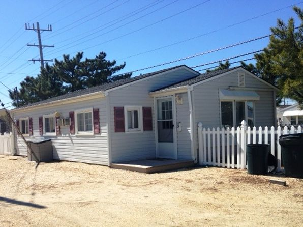 3 bed 1 bath Single Family at 39 E Marlin Way Lavallette, NJ, 08735 is for sale at 387k - 1 of 14