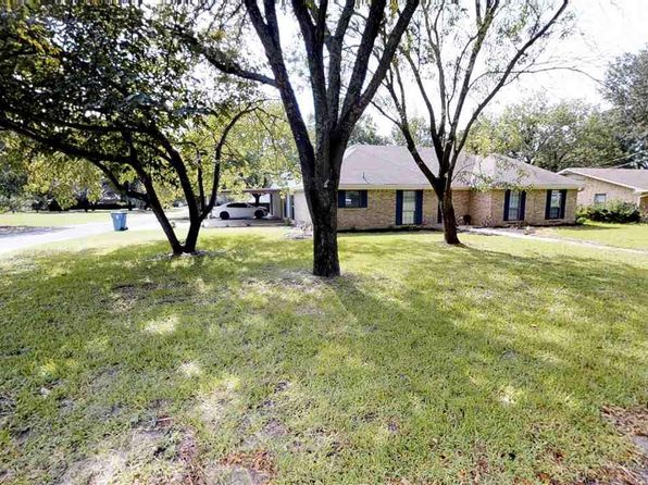 3 bed 2 bath Single Family at 302 Helen Dr Lindale, TX, 75771 is for sale at 210k - 1 of 22