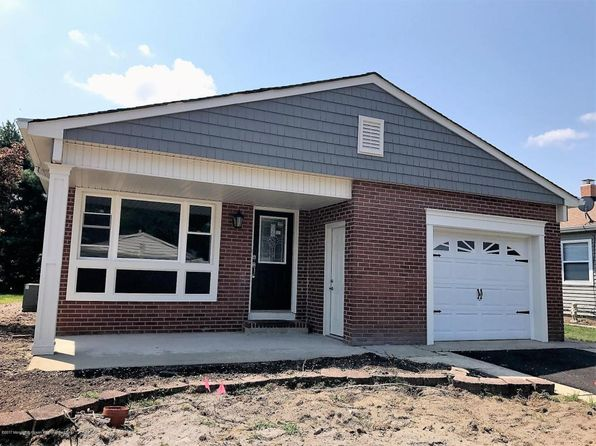 2 bed 2 bath Single Family at 7 Speighstown Pl Toms River, NJ, 08757 is for sale at 270k - 1 of 11