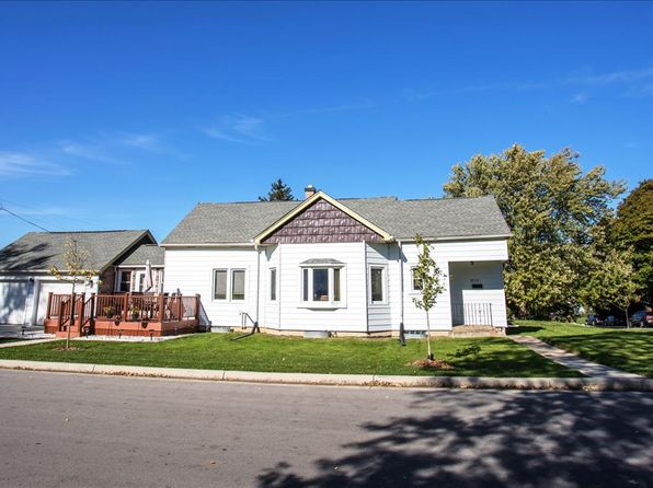 3 bed 1 bath Single Family at 3733 S 33rd St Greenfield, WI, 53221 is for sale at 160k - 1 of 23