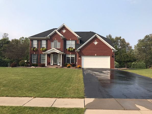 4 bed 3 bath Single Family at 1285 MAJESTIC WOODS DR GRAND ISLAND, NY, 14072 is for sale at 395k - 1 of 38
