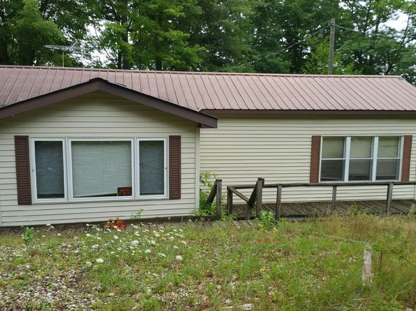 3 bed 1 bath Single Family at 6222 E INTERLOCHEN RD FOUNTAIN, MI, 49410 is for sale at 90k - 1 of 19