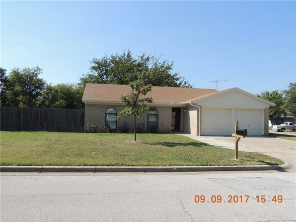 3 bed 2 bath Single Family at 700 Reveille Rd Fort Worth, TX, 76108 is for sale at 130k - 1 of 16