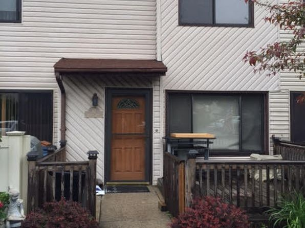 1 bed 1 bath Condo at 87 Selvin Loop Staten Island, NY, 10303 is for sale at 259k - 1 of 21