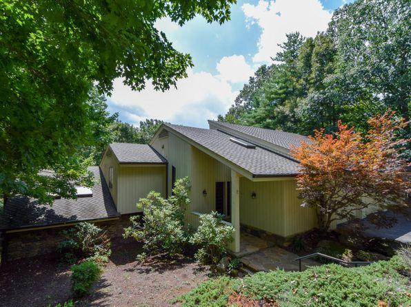 3 bed 3 bath Single Family at 5350 Black Bear Ln Roanoke, VA, 24018 is for sale at 375k - 1 of 36