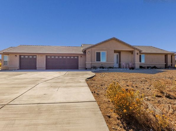3 bed 2.5 bath Single Family at 1675 DAISY LN PINON HILLS, CA, 92372 is for sale at 315k - 1 of 27