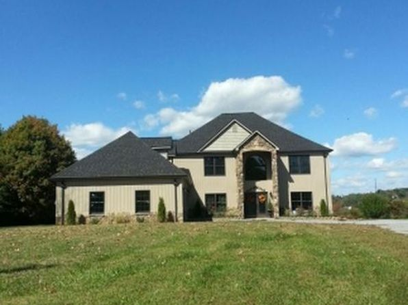 3 bed 3 bath Single Family at 134 Country Acres Dr Elizabethton, TN, 37643 is for sale at 449k - 1 of 23