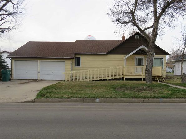 3 bed 2 bath Single Family at 47 3rd Ave NW Garrison, ND, 58540 is for sale at 70k - 1 of 18