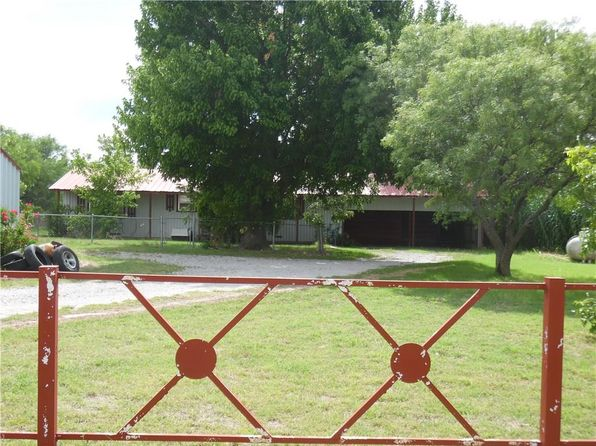 3 bed 2 bath Single Family at 120 County Road 154 Bangs, TX, 76823 is for sale at 37k - 1 of 10