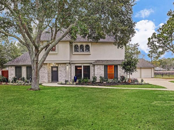 4 bed 3 bath Single Family at 904 Evergreen Dr Friendswood, TX, 77546 is for sale at 520k - 1 of 21
