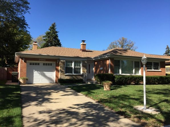 4 bed 2 bath Single Family at 300 Cambridge Rd Des Plaines, IL, 60016 is for sale at 373k - 1 of 33