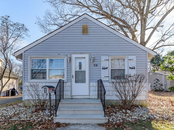 3 bed 2 bath Single Family at 38 Pine St Spotswood, NJ, 08884 is for sale at 240k - 1 of 25