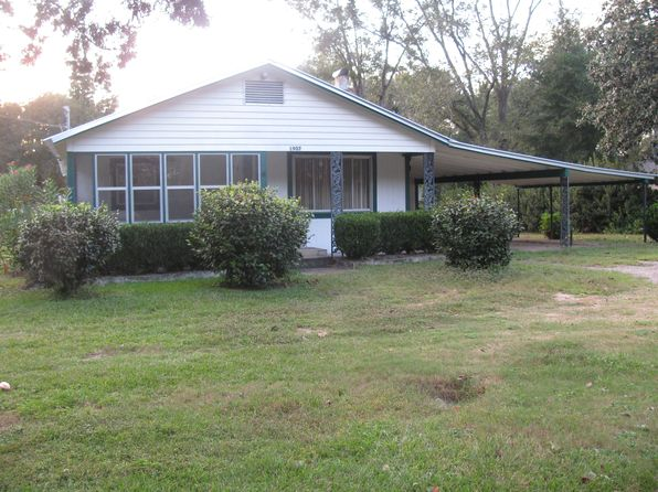 3 bed 2 bath Single Family at 1907 Gloster Ave Sneads, FL, 32460 is for sale at 60k - 1 of 12
