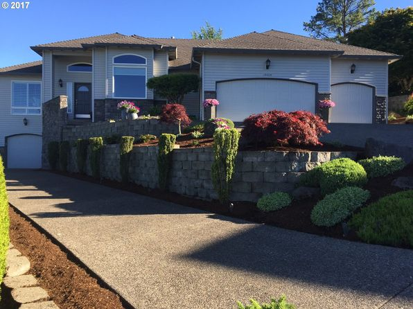 3 bed 3 bath Single Family at 15425 SE Vista Sunrise Ct Milwaukie, OR, 97267 is for sale at 599k - 1 of 32