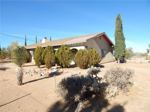 2 bed 2 bath Single Family at 3020 HILTON AVE YUCCA VALLEY, CA, 92284 is for sale at 165k - 1 of 21