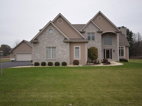 4 bed 4 bath Single Family at 454 Harvest Moon Ct Colgate, WI, 53017 is for sale at 605k - 1 of 24