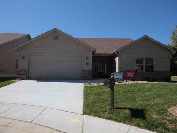 3 bed 2 bath Single Family at 1545 August Hill Pl Mt Zion, IL, 62549 is for sale at 243k - 1 of 26