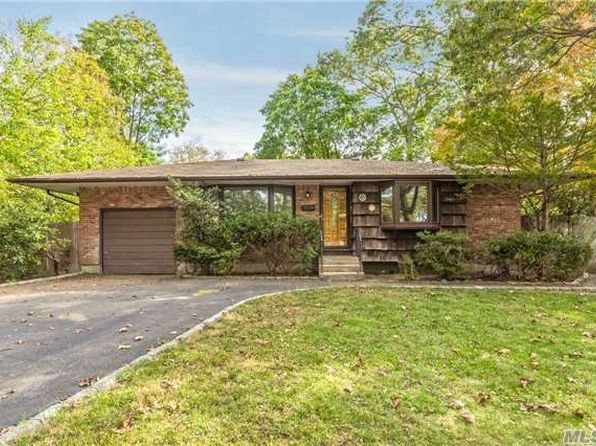 3 bed 1 bath Single Family at 6 PEBBLE LN HUNTINGTON STATION, NY, 11746 is for sale at 358k - 1 of 9