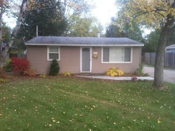 2 bed 1 bath Single Family at 808 OAK PARK DR FENTON, MI, 48430 is for sale at 120k - 1 of 25