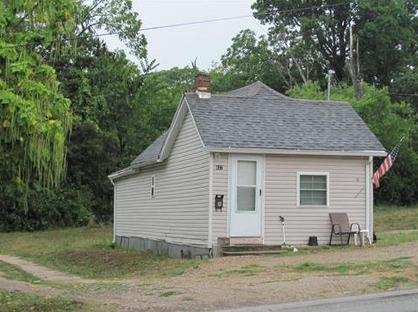 1 bed 1 bath Single Family at 627 Taylor Ave Park Hills, MO, 63601 is for sale at 27k - google static map