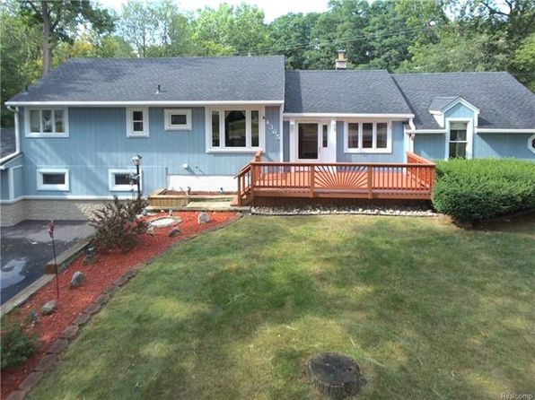 3 bed 2.5 bath Single Family at 4365 England Beach Rd White Lake, MI, 48383 is for sale at 245k - 1 of 55