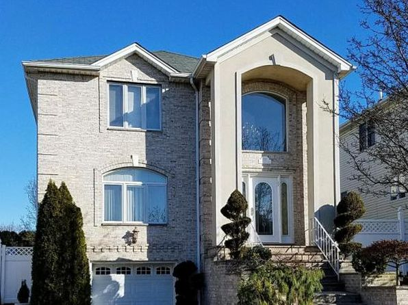 4 bed 4 bath Single Family at 152 Covington Cir Staten Island, NY, 10312 is for sale at 928k - 1 of 47