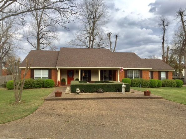 3 bed 2 bath Single Family at 1528 Bellewood Dr Greenville, MS, 38701 is for sale at 230k - 1 of 25