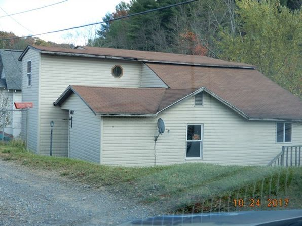 4 bed 1 bath Single Family at 1680 Robert C Byrd Crab Orchard, WV, 25827 is for sale at 22k - 1 of 8