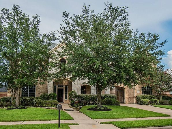 5 bed 5 bath Single Family at 10106 Earlington Manor Dr Spring, TX, 77379 is for sale at 575k - 1 of 24