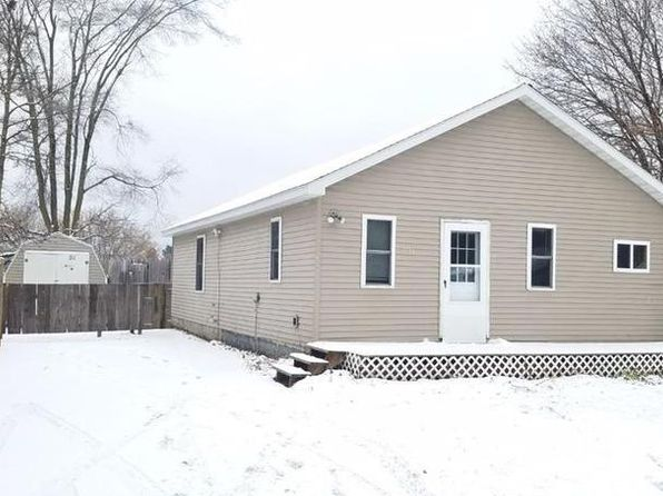 2 bed 1 bath Single Family at 631 Cunningham St Clare, MI, 48617 is for sale at 58k - 1 of 13