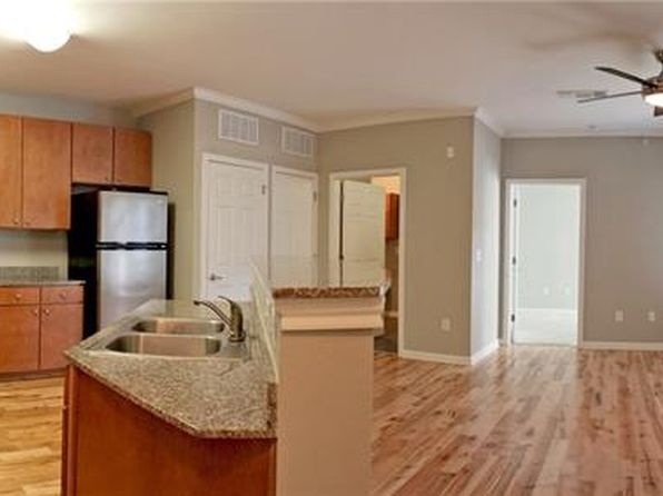 2 bed 2 bath Condo at 2502 Leon St Austin, TX, 78705 is for sale at 320k - 1 of 5