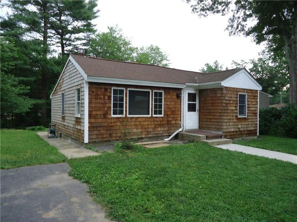 2 bed 1 bath Single Family at 4 Bramble Bush Dr Hope, RI, 02831 is for sale at 150k - 1 of 10