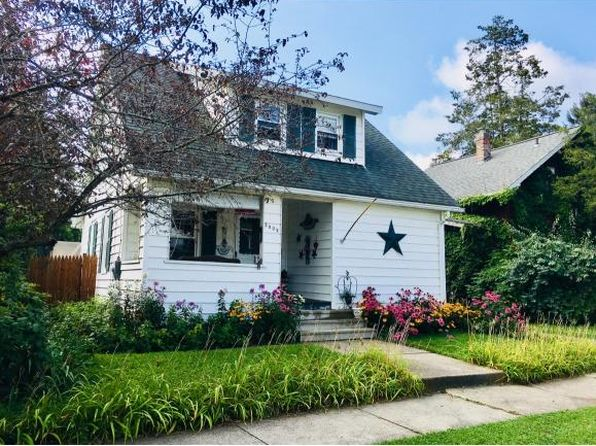 3 bed 2 bath Single Family at 2002 Tracy St Endicott, NY, 13760 is for sale at 83k - 1 of 25