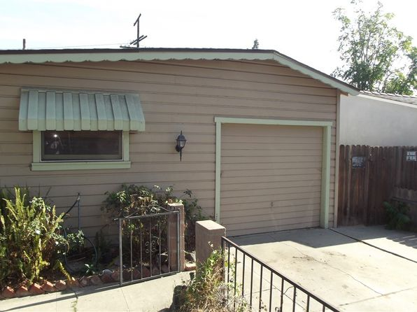 3 bed 1 bath Single Family at 2121 OAK ST SANTA ANA, CA, 92707 is for sale at 435k - 1 of 2