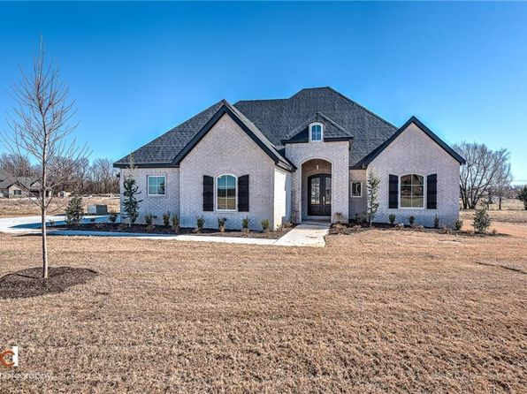 4 bed 4 bath Single Family at 208 S Gleneagle Dr Cave Springs, AR, 72718 is for sale at 500k - 1 of 30
