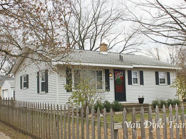 4 bed 2 bath Single Family at 3500 Flamingo Ave SW Wyoming, MI, 49509 is for sale at 140k - 1 of 20