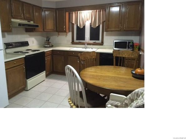 2 bed 1 bath Townhouse at 1011 Reserve Rd West Seneca, NY, 14224 is for sale at 63k - 1 of 14