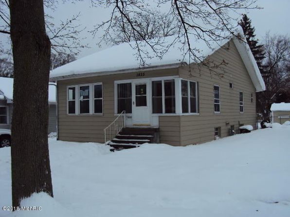 3 bed 1 bath Single Family at 1425 Sheffield Ave Niles, MI, 49120 is for sale at 32k - 1 of 21