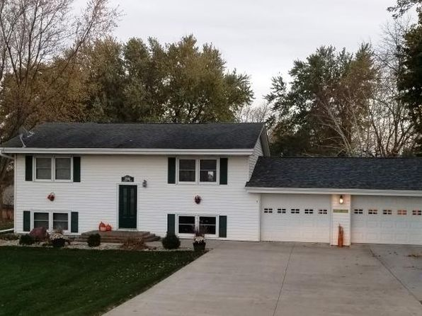 4 bed 2 bath Single Family at 2906 College Dr Emmetsburg, IA, 50536 is for sale at 179k - 1 of 21